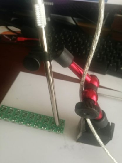 Articulated_arm_with_lockable_spherical_joints_with_Digital_Microscope